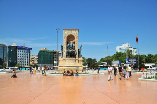 Taksimské náměstí, zdroj: wikipedia.org