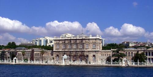 Palác Dolmabahce, zdroj: wikipedia.org