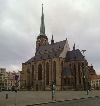 Katedrála sv. Bartoloměje na náměstí Republiky, zdroj: wikipedia.org
