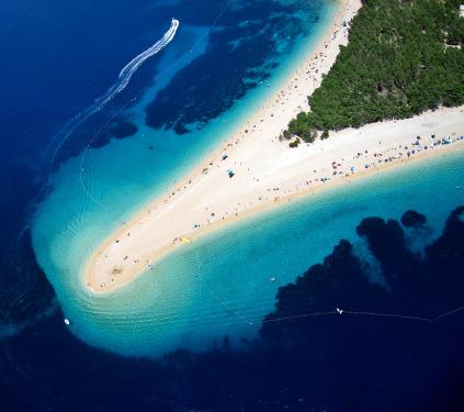 Zlatý roh - nejznámější pláž v Chorvatsku, zdroj: wikipedia.org